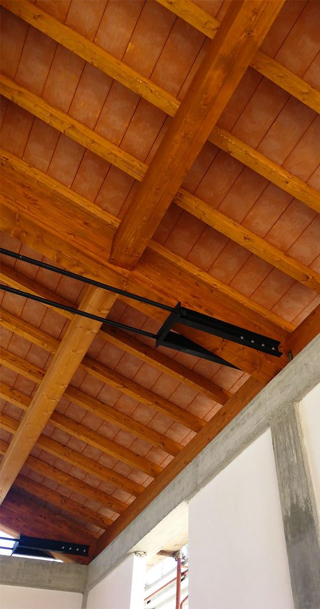 particolare connessioni travature verticale legno piallato